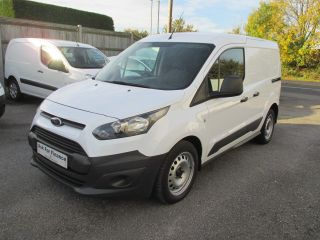 Used FORD TRANSIT CONNECT in Shepperton, Middlesex for sale