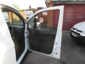 FORD TRANSIT CONNECT 200 SWB - 69 - 18